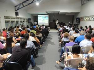 Encontro entre professores apresenta balanço e lança projetos do UNIARAXÁ para 2014 -