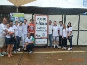 Alunos do UNIARAXÁ realizam pesquisa durante Copa de Mountain Bike para avaliar benefícios da Crioimersão