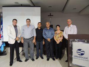 UNIARAXÁ assina convênio com entidades para beneficiar colaboradores de associados