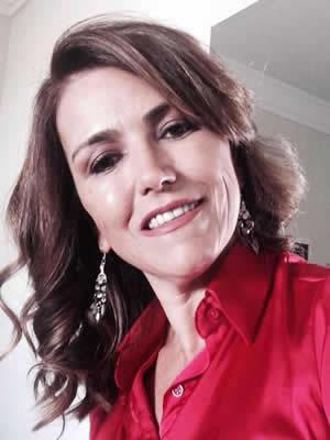 Profa. Dra. Elisa Antonia Ribeiro