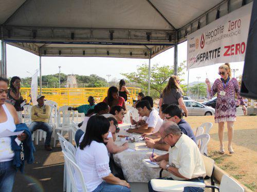 UNIARAXÁ: Realizados mais de mil atendimentos em dia de Responsabilidade Social