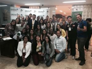 Alunas de Fisioterapia do UNIARAXÁ participam de encontro do Crefito Jovem em BH