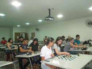UNIARAXÁ e Cefet promovem aulas de Xadrez