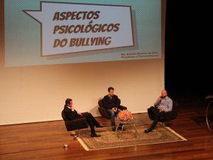 Engenharias, Arquitetura, Bullying e Kafka são debatidos em semana agitada no UNIARAXÁ